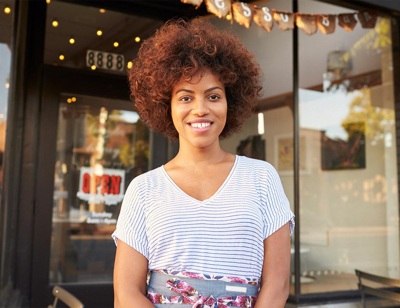 girl-standing-outside-cafe