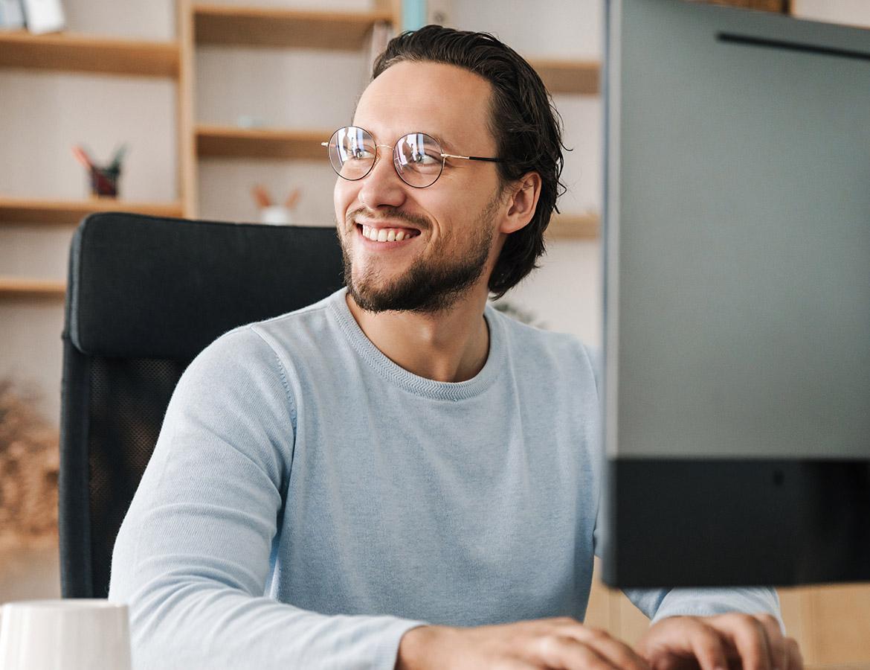 smiling-programmer