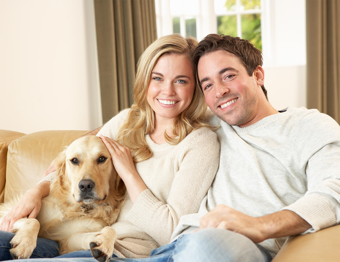 young-happy-couple-with-dog